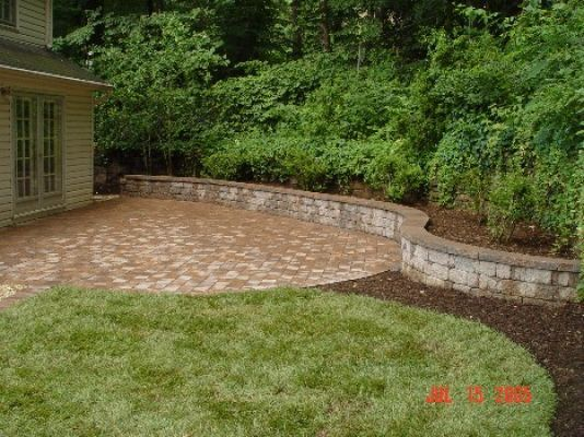 Segmented Retaining Wall & Patio