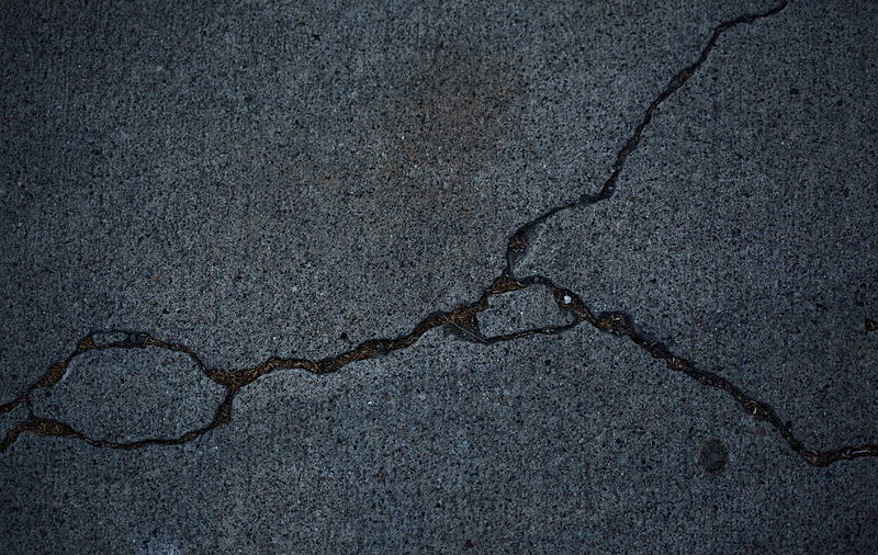 Different Types of Foundation Cracks to Look Out For